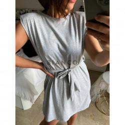 Φόρεμα με βάτα και ζώνη