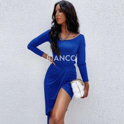 Φόρεμα με άνοιγμα στο πλαι