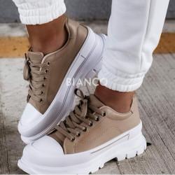 Παπούτσια με κορδόνια