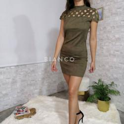Φόρεμα με σχέδιο στους ώμους