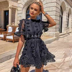 Φόρεμα με ανάγλυφα σχέδια